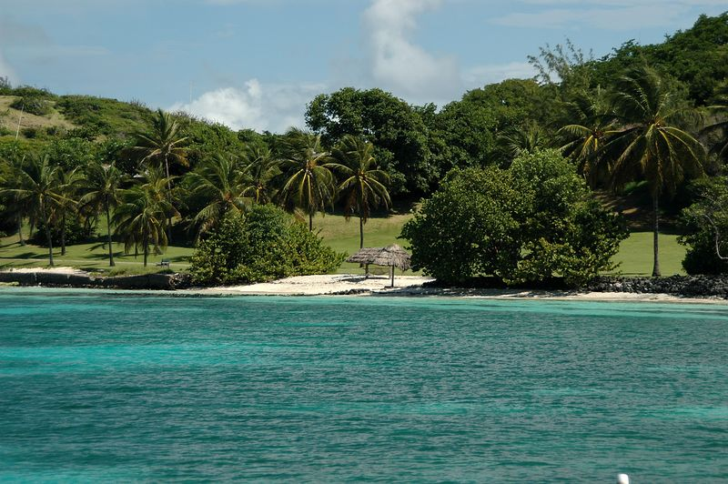 <b>Petit St. Vincent harbor seen from the water</b>   (Jul 27, 2004, 09:54am)  <p align=left>I took this picture of the shore of Petit St. Vincent harbor as we drove by on the shuttle boat.</p>  <p align=left></p>