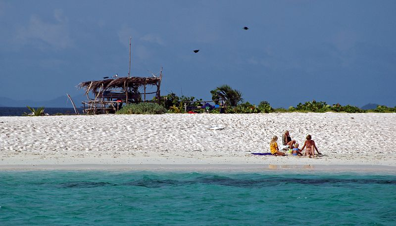 <b>Family beach day on Sandy Island</b>   (Jul 20, 2004, 03:10pm)  <p align=left>Sandy Island is a popular spot for the sailors.  After mooring, many people take a dingy over to the island to spend some quality time on the beach.</p>  <p align=left></p>