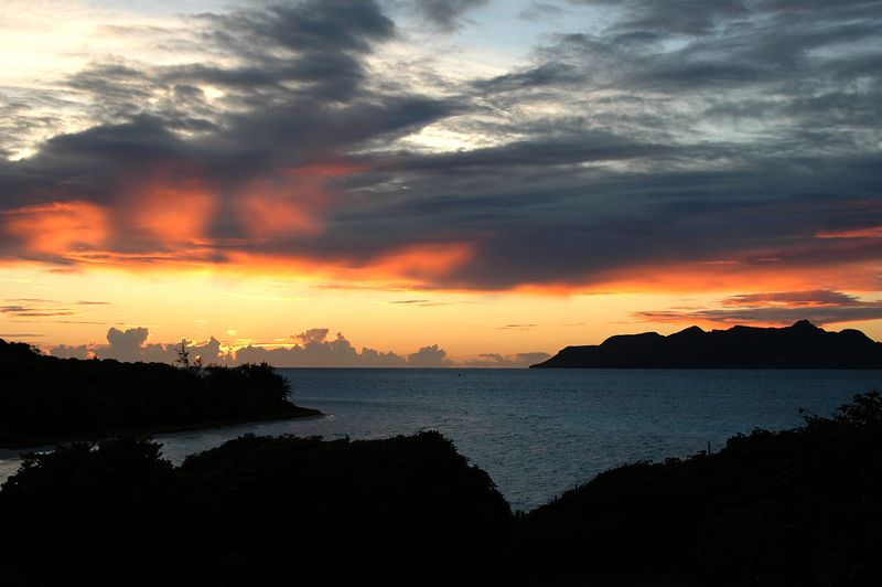 <b>Sunset over Conch Bay and Union Island</b>   (Jul 23, 2004, 06:37pm)