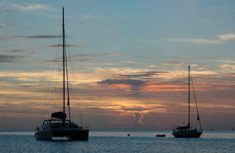 <b>Sunset in Admiralty Bay</b>   (Jul 18, 2004, 06:36pm)