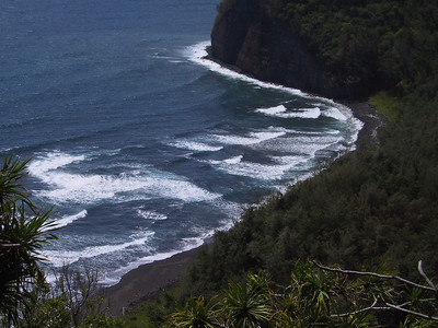 Pololu Beach   (Jul 15, 2001, 10:51am)