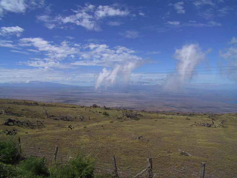 <b>Clouds over Parker Ranch</b>   (Jul 15, 2001, 09:55am)