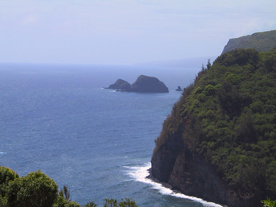 View from above Pololu Beach   (Jul 15, 2001, 10:46am)