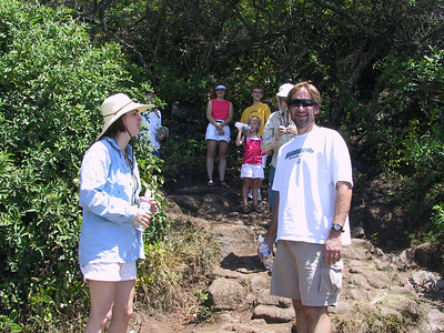 Goulds and Clarks on trail to Pololu Beach   (Jul 15, 2001, 11:07am)