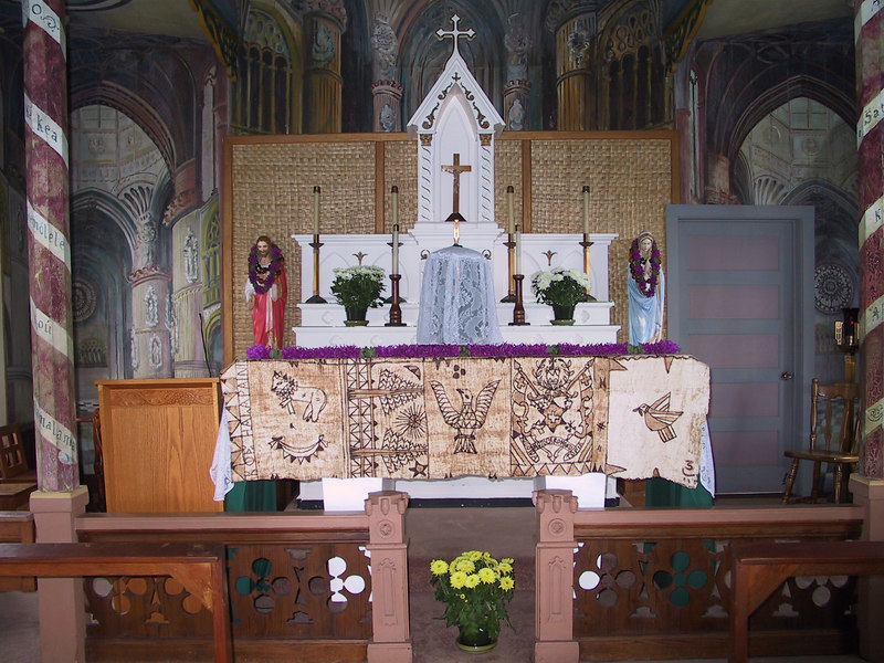 <b>Closeup of alter inside the Painted Church</b>   (Jul 16, 2001, 02:30pm)