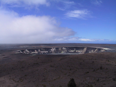 Halemaumau Crater inside Kilauea Caldera   (Jul 17, 2001, 11:37am)