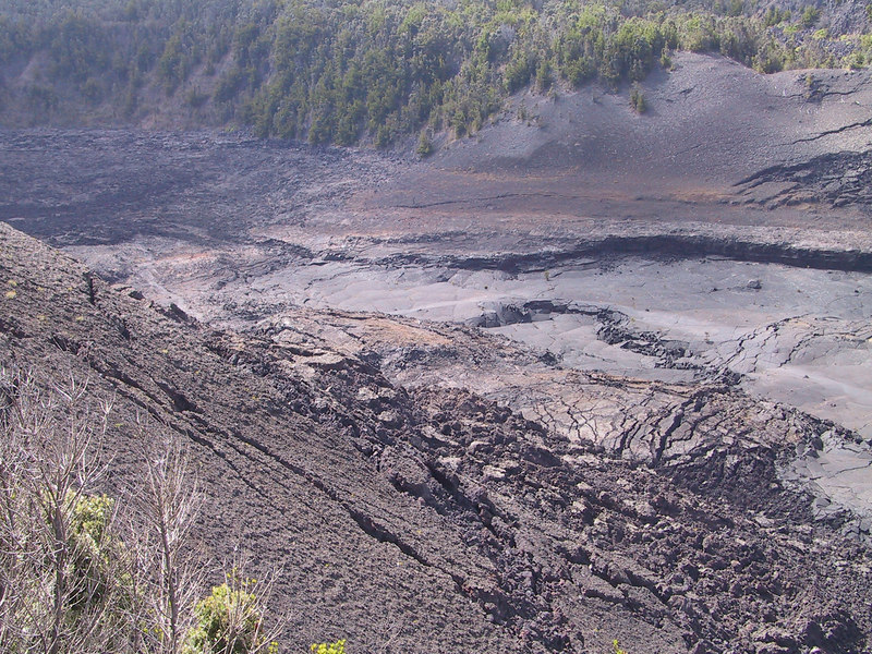 <b>Another view of Kilauea Iki Crater </b>   (Jul 17, 2001, 03:12pm)