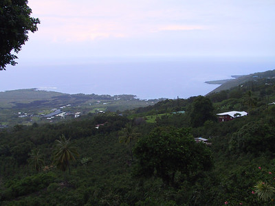 Kealakekua Bay seen from the Coffee Shack   (Jul 17, 2001, 08:20am)