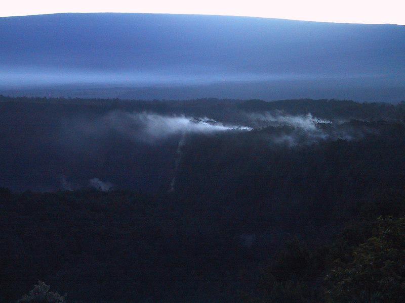 <b>Steam at edge of Kilauea Caldera at sunset</b>   (Jul 17, 2001, 07:21pm)