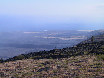 Looking down at end of lava flows from Chain of Craters Road   (Jul 17, 2001, 04:16pm)