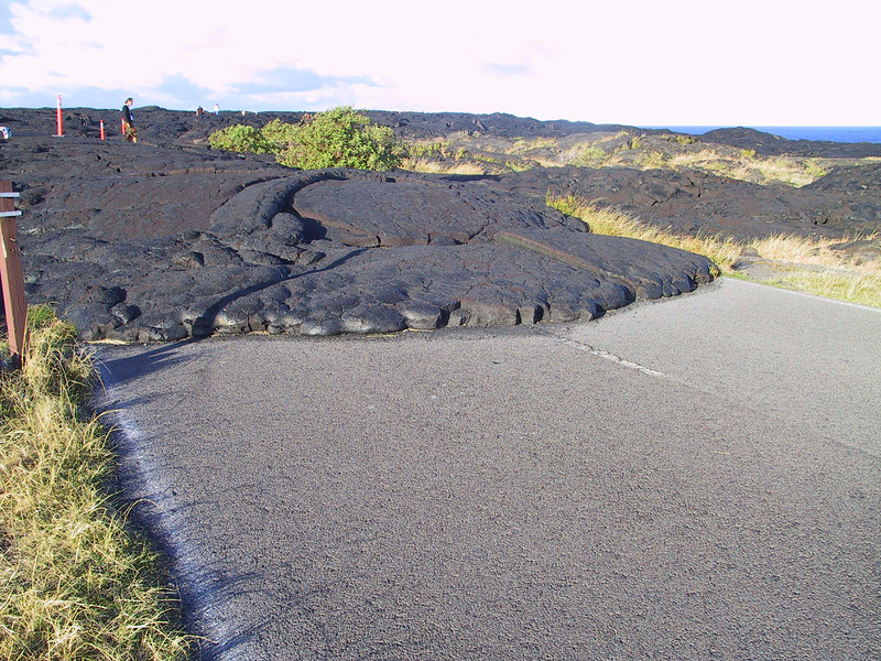 <b>Lava flow in 1990s covered the Chain of Craters Road</b>   (Jul 17, 2001, 05:57pm)