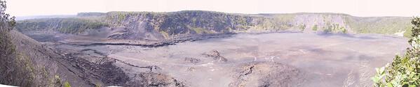 Panorama of Kilauea Iki Crater from Puu Puai Overlook   (Jul 17, 2001, 03:12pm)