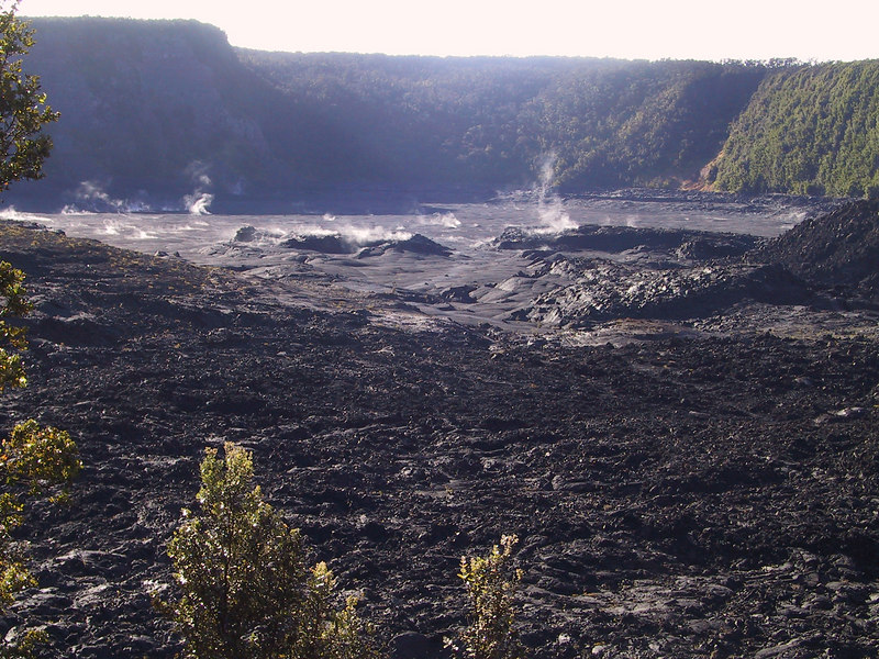 <b>Looking west at crater from Kilauea Iki Trail</b>   (Jul 18, 2001, 07:29am)
