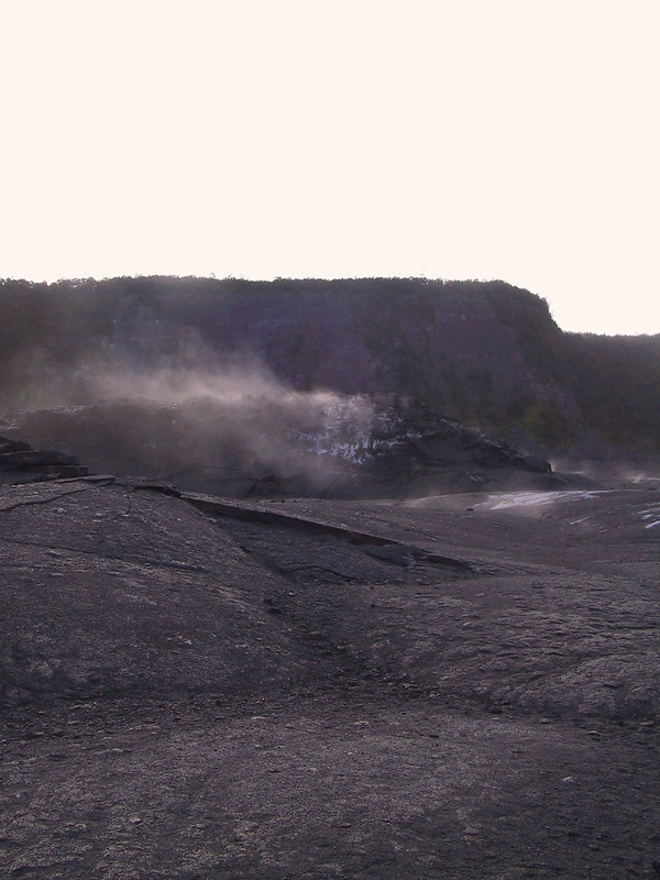 <b>Steam rising along Kilauea Iki Trail</b>   (Jul 18, 2001, 07:07am)