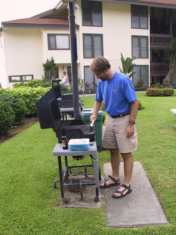 <b>Master chief Damon prepares his work area</b>   (Jul 20, 2001, 05:33pm)