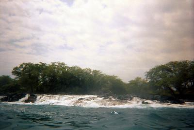 Surf cascades over rocks where kayak trip stopped   (Jul 19, 2001, 01:30pm)