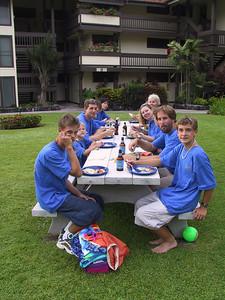Eating at the 2001 Kraver Family Reunion   (Jul 20, 2001, 06:09pm)
