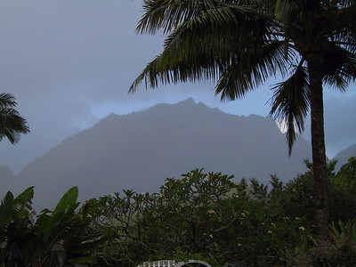 Mountains of Kauai seen in early morning mist   (Jul 23, 2001, 06:49am)