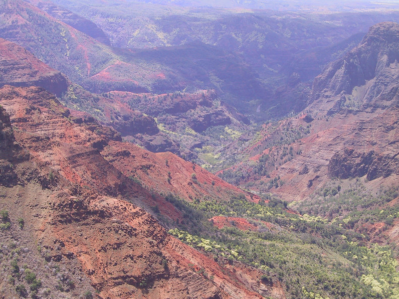 <b>Wamea Canyon from Puu HinaHina Lookout</b>   (Jul 22, 2001, 11:28am)