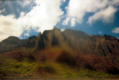 More of the Na Pali coast seen from kayaks   (Jul 23, 2001, 11:00am)