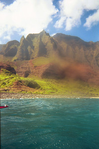 Still more of the Na Pali coast seen from the kayaks   (Jul 23, 2001, 11:00am)