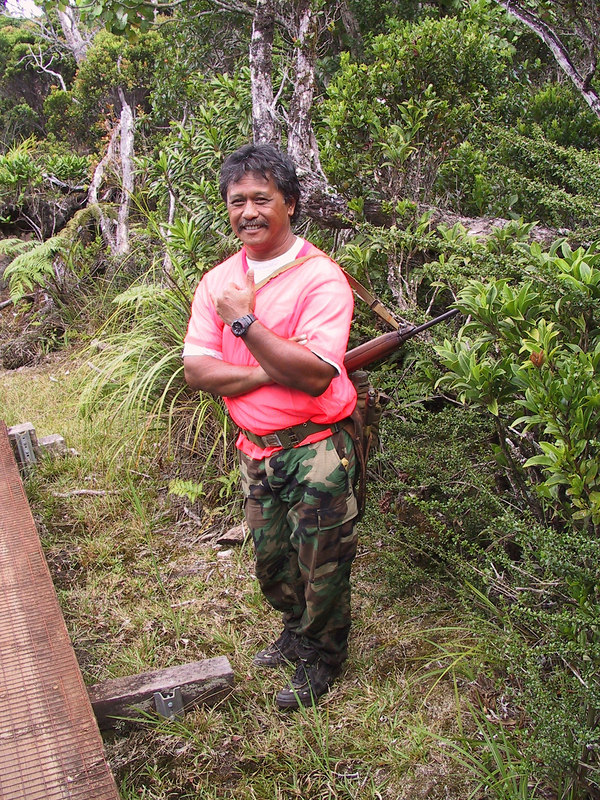 <b>Friendly boar hunters on the Pihea Trail</b>   (Jul 22, 2001, 02:08pm)