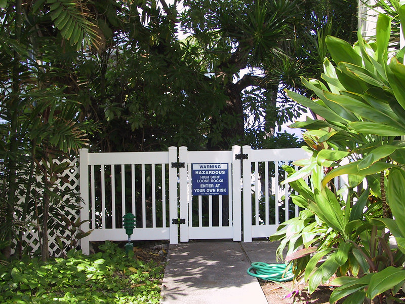 <b>The door to the waterfront at Sea Village</b>   (Jul 21, 2001, 09:31am)