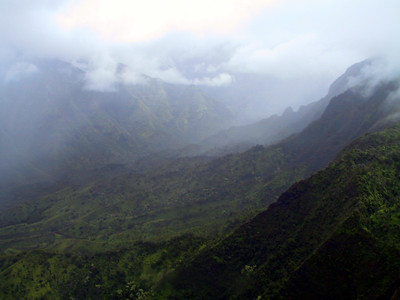 Helicopter view of a valley on the northwest corner of Kauai   (Jul 26, 2001, 01:10pm)