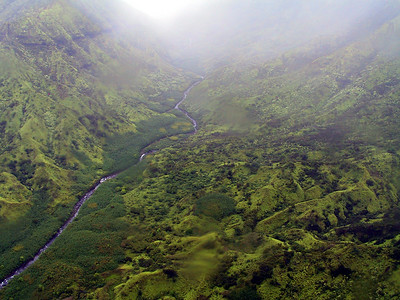 Helicopter view of Wainiha River valley   (Jul 26, 2001, 01:11pm)
