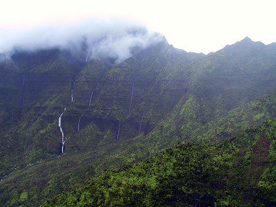 Helicopter view of waterfalls in Wainiha Valley   (Jul 26, 2001, 01:13pm)