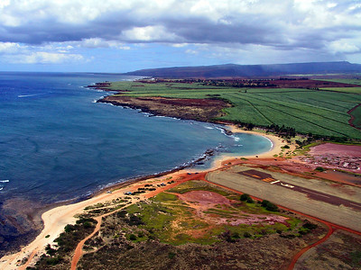 Salt Pond Beach Park seen from Helicopter right after takeoff   (Jul 26, 2001, 12:46pm)