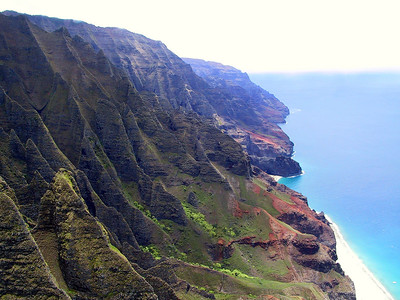 Helicopter view of the Na Pali coast   (Jul 26, 2001, 01:04pm)