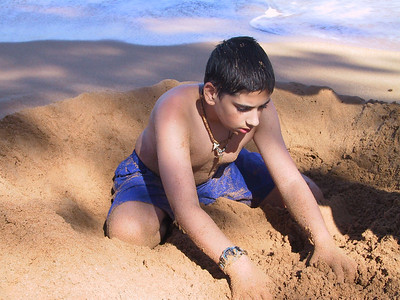 Ben plays in the sand   (Jul 27, 2001, 03:49pm)