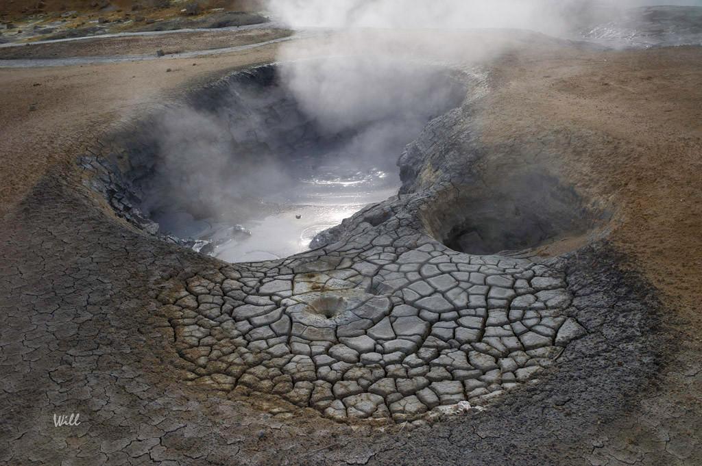 Boiling Mudpot – Hverir