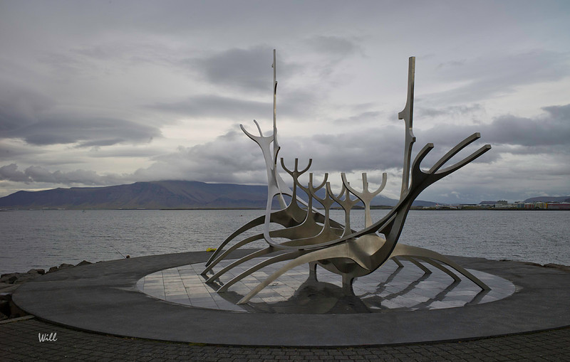 Sólfar (the Sun Voyager) represents a Viking ship looking north across Reykjavik's harbor.<br /> <br /> The sculpture is by Jón Gunnar Árnason and was installed in 1986.