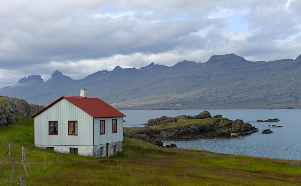 Farmhouse - Eastern Fjords
