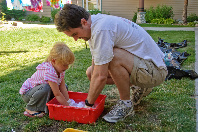 Illian and Kevin doing tie dye.