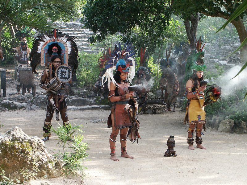 <b>Mayan dance at Xcaret</b>   (Dec 29, 2002, 03:25pm)