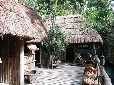Mayan village at Xcaret   (Dec 29, 2002, 01:04pm)