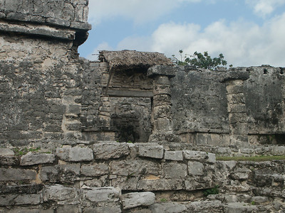 Ruins at Tulum   (Dec 30, 2002, 09:44am)