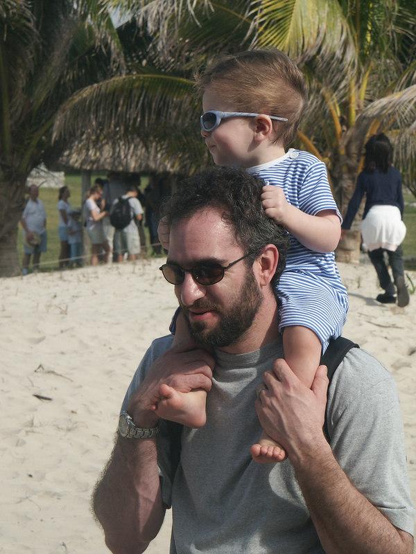 <b>Matt and Ian in their cool shades</b>   (Dec 30, 2002, 09:31am)