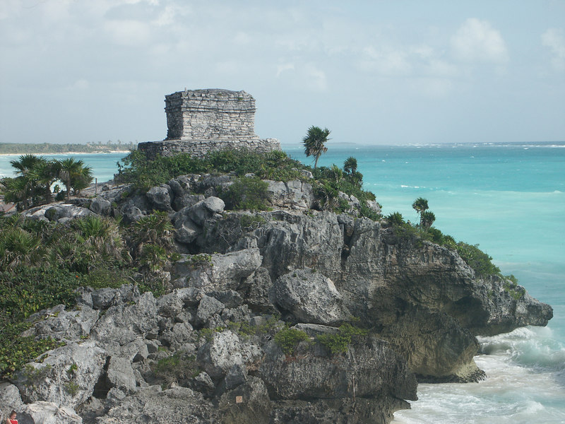 <b>Watch tower at North end of Tulum</b>   (Dec 30, 2002, 10:07am)