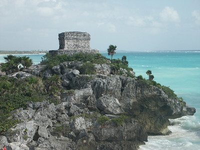 Watch tower at North end of Tulum   (Dec 30, 2002, 10:07am)