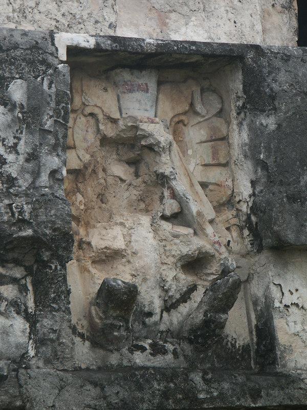 <b>Close up of a descending god</b>   (Dec 30, 2002, 09:42am)