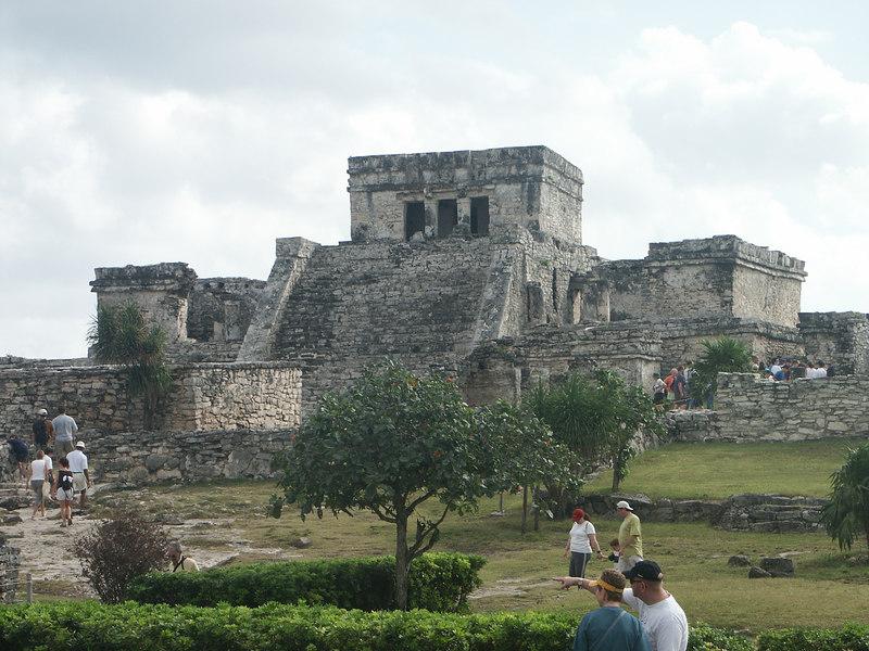 <b>A view of the Castle</b>   (Dec 30, 2002, 09:46am)