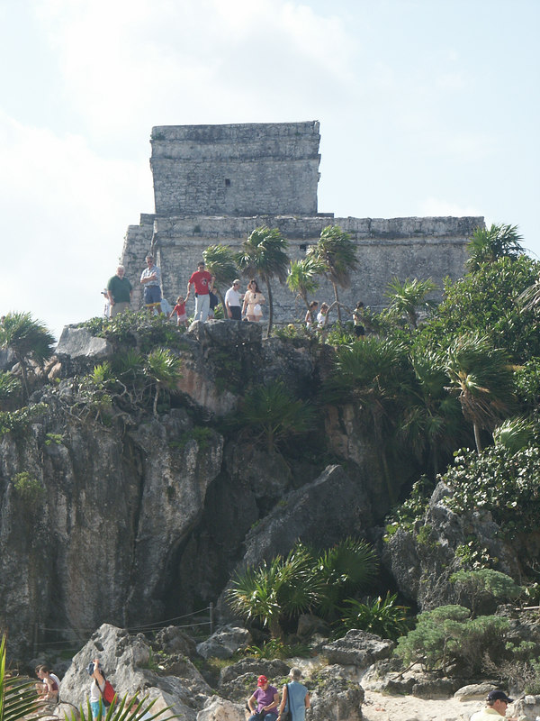 <b>Temple of the Descending God from cliff bottom</b>   (Dec 30, 2002, 10:10am)