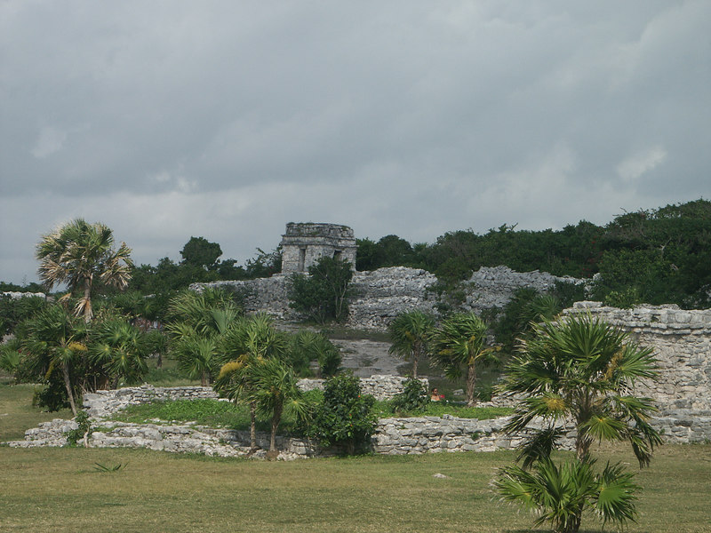 <b>Ruins at Tulum</b>   (Dec 30, 2002, 10:10am)