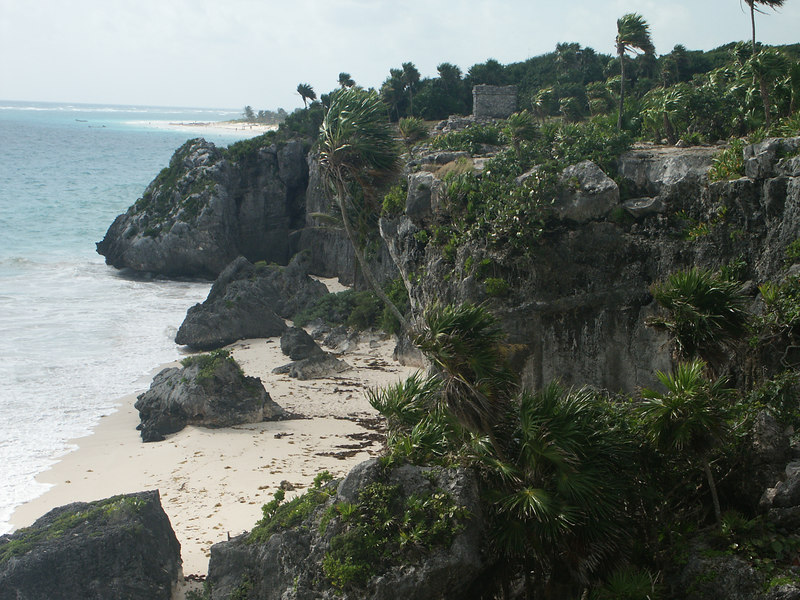<b>Coastline of Tulum</b>   (Dec 30, 2002, 09:55am)
