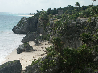 Coastline of Tulum   (Dec 30, 2002, 09:55am)