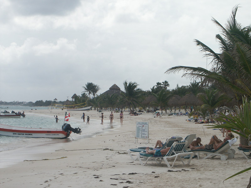 <b>Akumal Bay</b>   (Dec 30, 2002, 12:52pm)